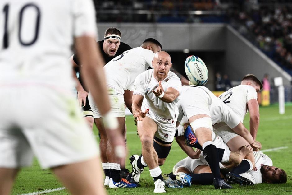 Willi Heinz und die englisch Rugby-Auswahl schalteten Top-Favorit Neuseeland aus.