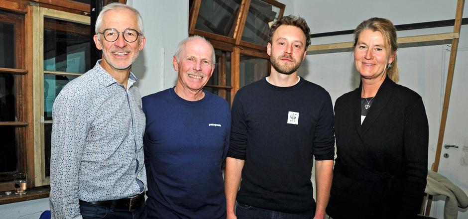 Markus Welzl (ÖAV), Gerd Estermann (BI Feldring), Josef Schrank (WWF Österreich), Birgit Sattler (Naturfreunde Tirol, v.l.) standen interessierten Besuchern am Donnerstag Rede und Antwort.
