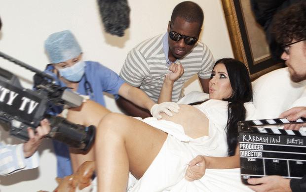 Reality TV extrem: Hausgeburt bei den Kardashians.