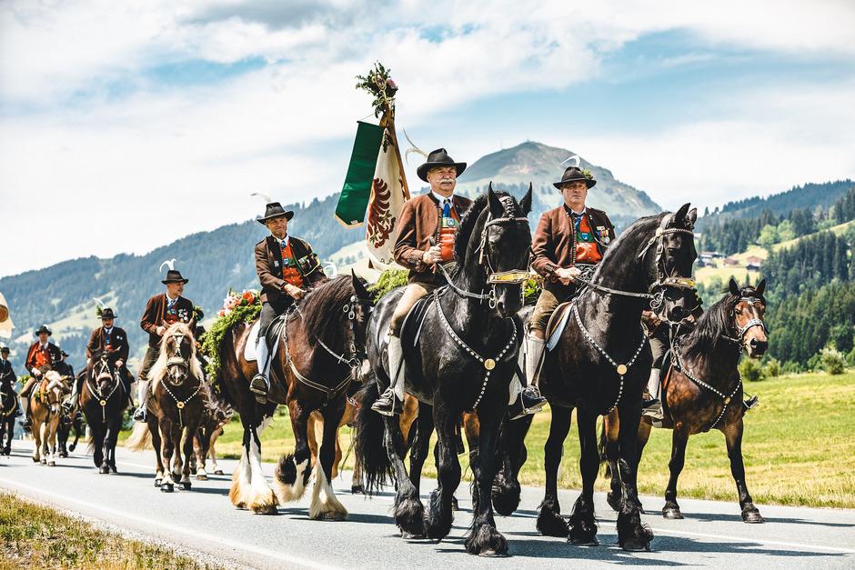 Der Brixentaler Antlassritt findet seit mehr als 350 Jahren statt und soll nun zum immateriellen Unesco-Kulturerbe werden.
