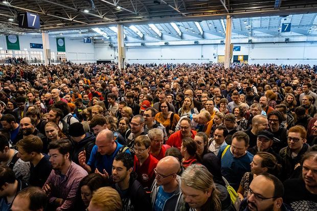 Der Andrang zur größten Spielemesse der Welt war enorm. Man konnte die Spiele von 1200 Herstellern testen.
