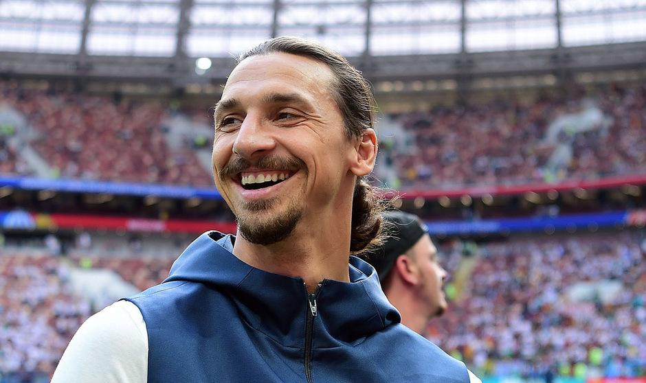 Schwedens Fußballstar Zlatan Ibrahimovic will die Fußballschuhe noch nicht an den Nagel hängen.