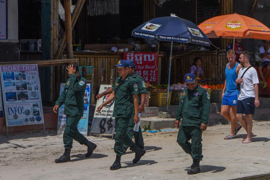Polizeigroßinsatz im sonst so beschaulichen Backpacker-Paradies. In Koh Rong herrscht duch den Fall Amelia Bambridge Ausnahmezustand.