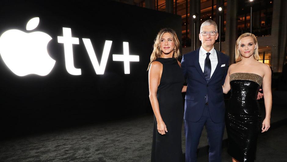 """Jennifer Aniston, Tim Cook und Reese Witherspoon bei der Premiere der """"Morning Show"""" in New York."""