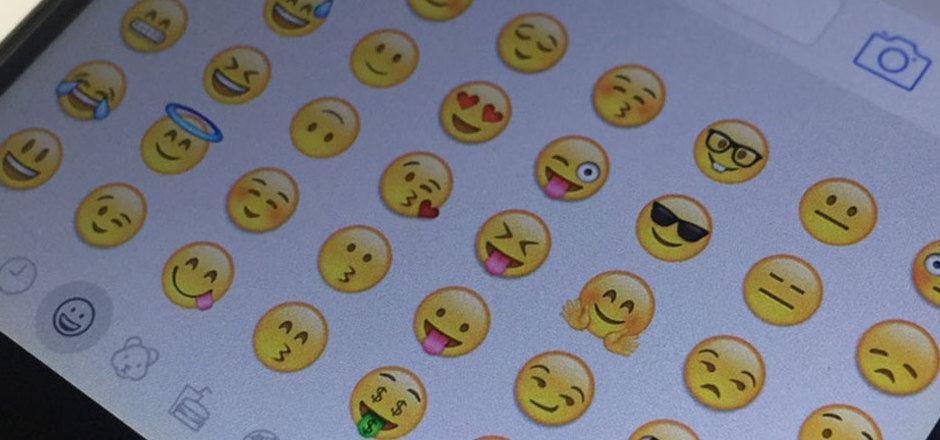 Sprechende Symbole verschicken, statt viele Worte verlieren: Kaum ein Chat oder eine SMS kommt noch ohne Emojis aus.