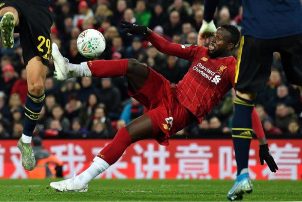Per Seitfallzieher rettete Divock Origi Liverpool in der 94. Minute ins Elfmeterschießen. Verlängerung gibt es im englischen Liga-Cup keine.