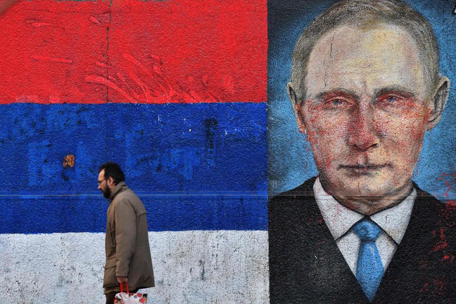 Eine Wandmalerei zeigt den russischen Präsidenten Wladimir Putin.