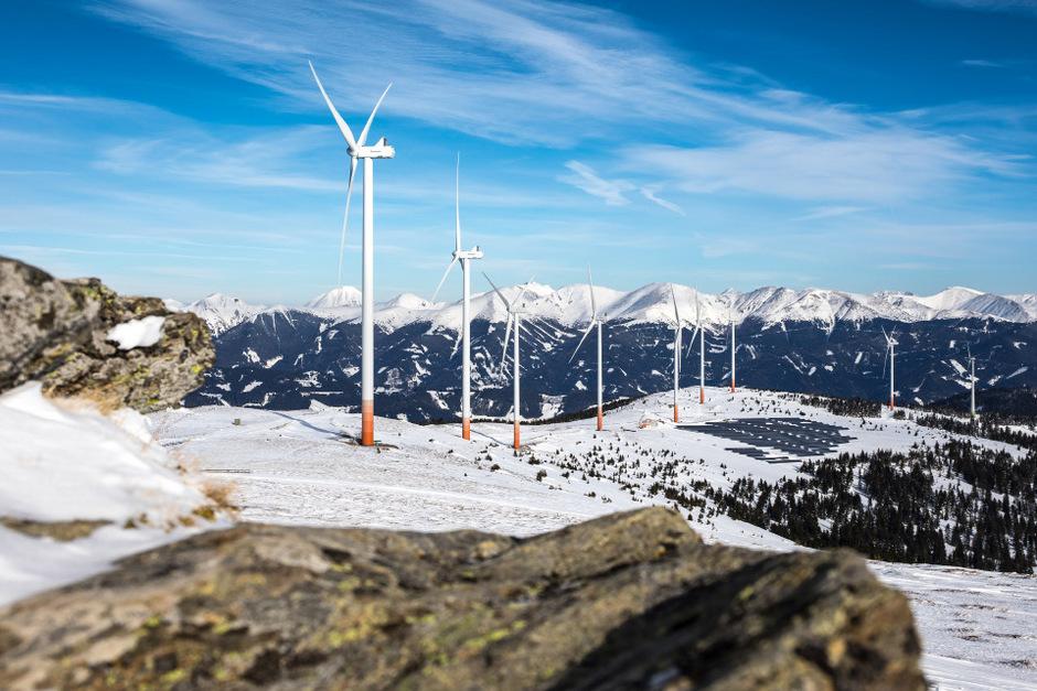Windräder funktionieren auch auf den Bergen: In den Tauernwindpark Oberzeiring wurde jetzt investiert und die Effizienz um die Hälfte gesteigert.