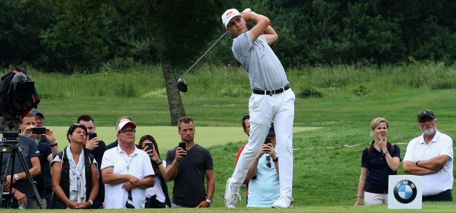 Der österreichische Golfprofi Matthias Schwab bei der Arbeit.
