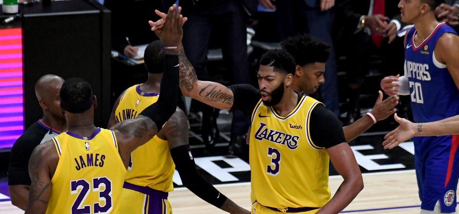LeBron James und Anthony Davis führten die Lakers zum Sieg.