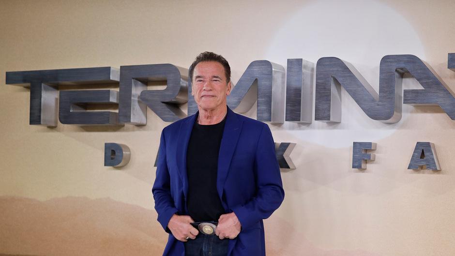 """Arnold Schwarzenegger hat auch mti 72 Jahren wieder den """"Terminator"""" gespielt - womöglich zum letzten Mal."""