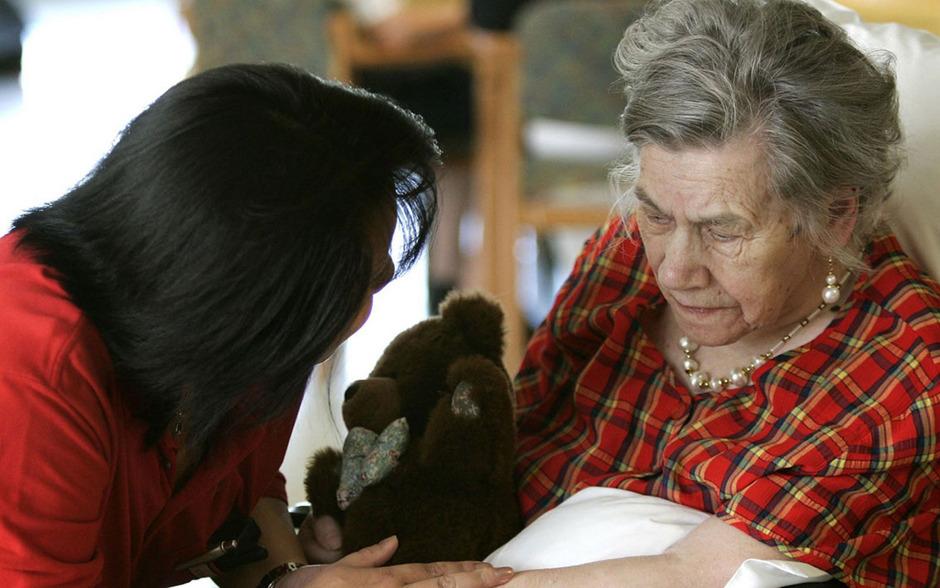 Der Großteil der Pflegekräfte in Österreich stammt aus Rumänien.