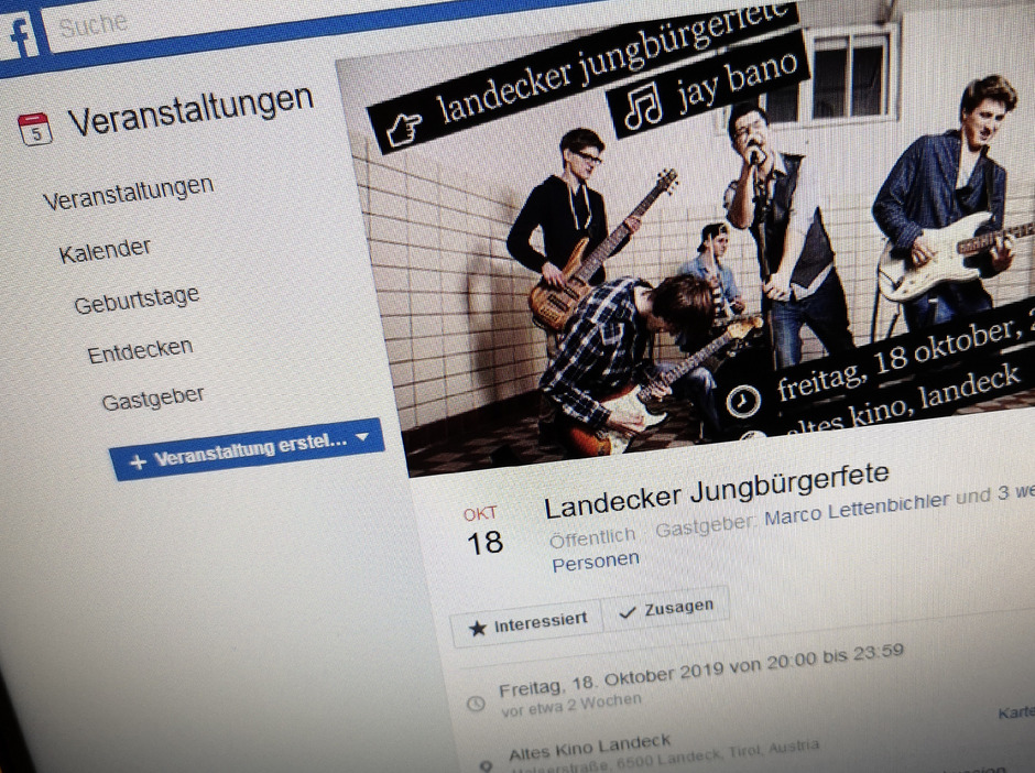 Die Landecker Jungbürger wurden heuer nicht mehr persönlich zur Feier eingeladen. Stattdessen wurde auf Facebook für die Veranstaltung im Alten Kino geworben.