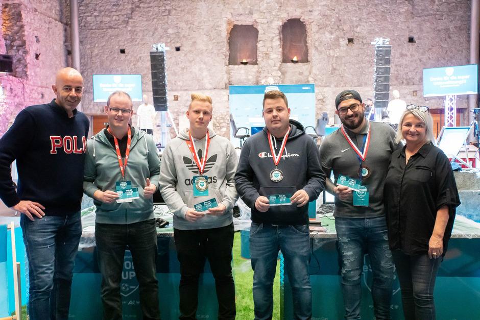 V.l.: Norbert Adlassnigg (Marketingleiter der TT) gemeinsam mit Matthias Fuchs (4. Platz), Fabian Fuchs (1. Platz), Milorad Pavlovic (2. Platz), Tamas Fulop (3. Platz) und Christine Mandl (AK Tirol).