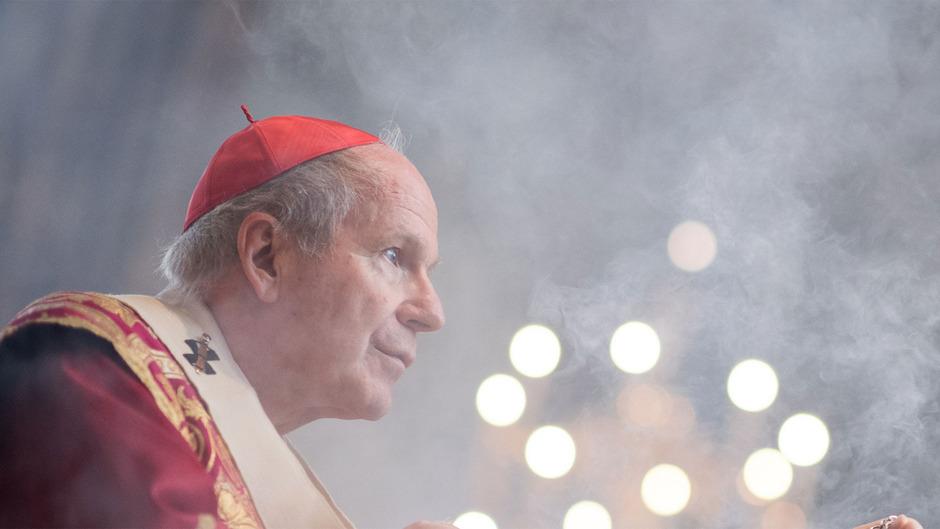 """""""Es wird verheiratete Priester geben, aber die Grundform bleibt die Ehelosigkeit"""", sagt Schönborn."""