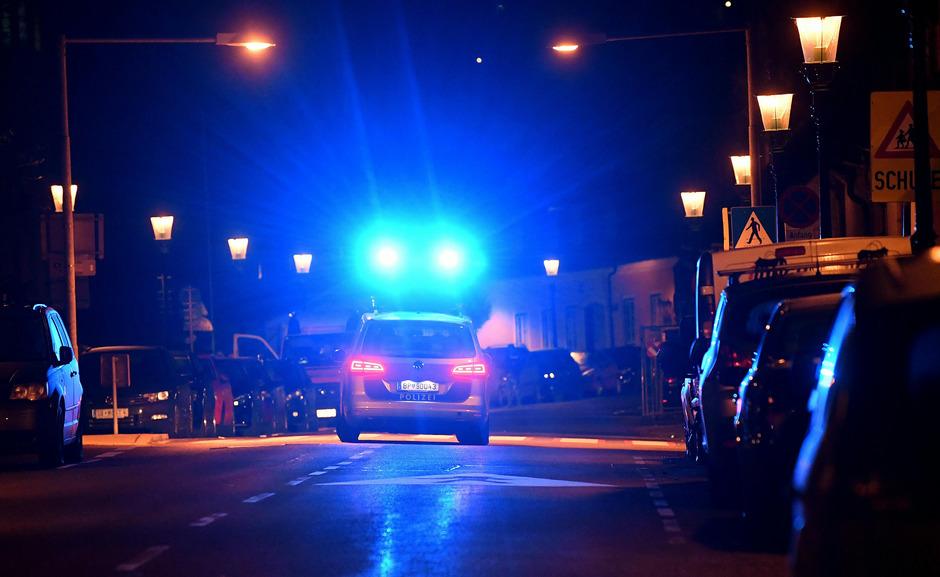 Ein 47 Jahre alter Mann ist am Montagabend, 4.November 2019, im Innenhof eines Wohnhauses in Wien-Döbling erschossen worden.