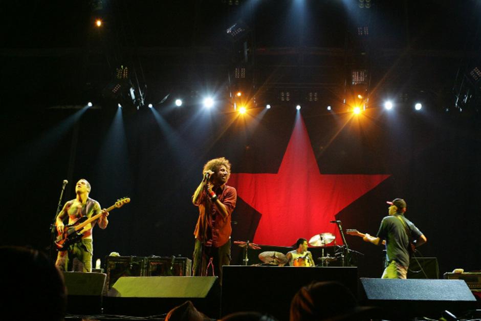 Lead-Sänger Zack de la Rocha und Gitarrist Tom Morello bei einem Konzert 2007.
