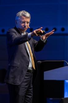 Severin Schwan, Chef der Roche Gruppe in Basel, sieht in der Digitalisierung des Gesundheitswesens eine große Chance.