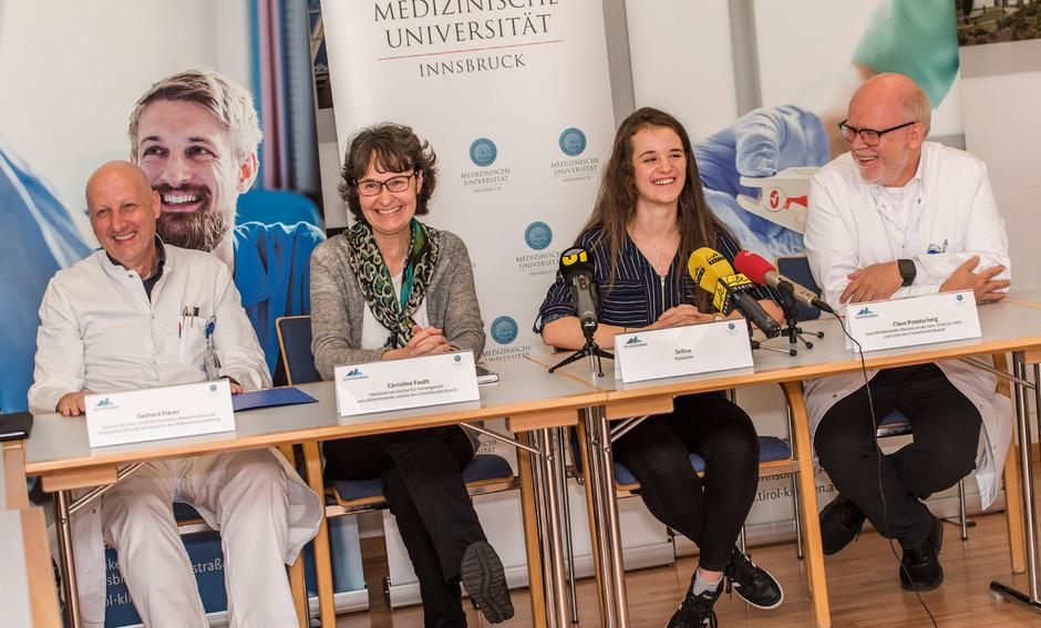 Gerhard Pierer (l.), Christine Fauth (2.v.l.) und Claus Pototschnig (r.) stellten die Aufgaben des Craniofacialen Zentrums vor.