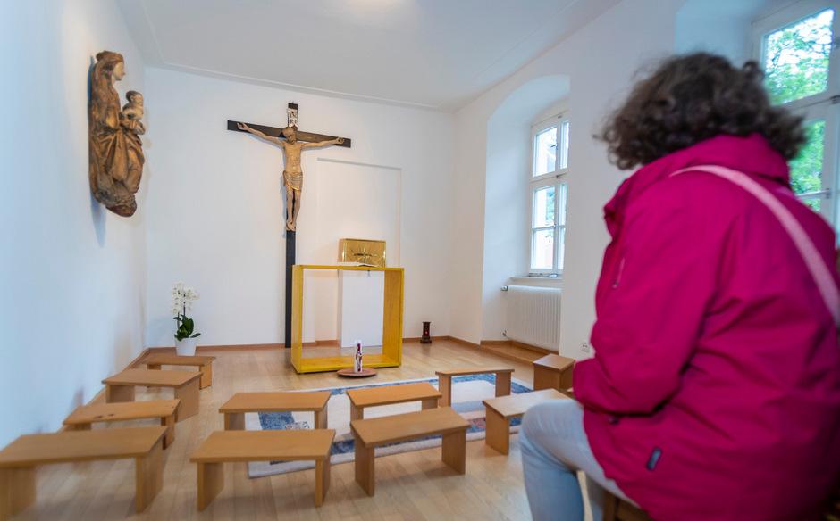Zahlreiche Frauen in der katholischen Kirche fordern die Zulassung zu allen Weiheämtern.