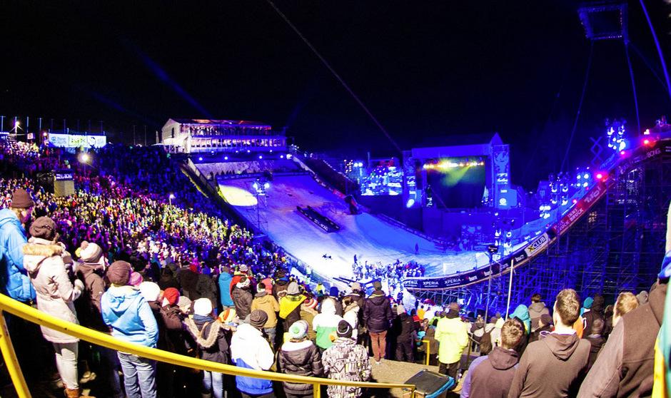 Wenn es Nacht wird am Bergisel: Zuletzt gab es 2015 Snowboard-Action zu sehen. 2020 soll das Comeback erfolgen.