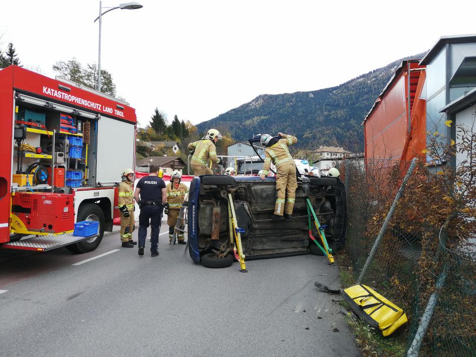 Im Einsatz waren die Freiwillige Feuerwehr Jenbach, die Rettung Schwaz und die Polizeiinspektion Jenbach.