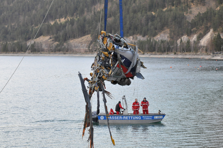 Am 30. März 2011 stürzte der Polizeihubschrauber in den Achensee. Alle vier Insassen starben bei dem Unglück.