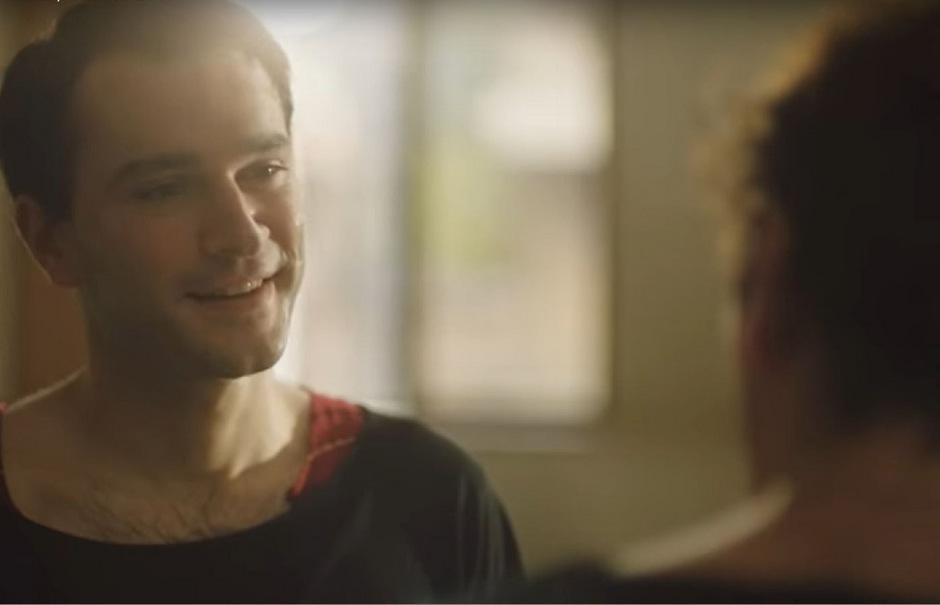 Das in Georgien spielende Drama erzählt, wie sich ein angehender Tänzer des georgischen Nationalballetts in einen anderen Studenten verliebt.