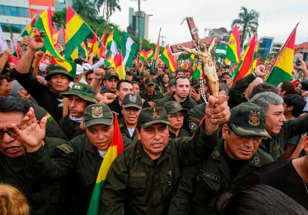 Morales hatte zuletzt auch den Rückhalt des Militärs verloren.