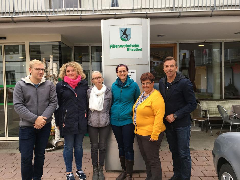 Markus Windbichler, Simone Felice, Monika Ligner, Stefanie Mayer und Margit Luxner mit ÖGB-Regionalsekretär Hansjörg Hanser (v.l.).