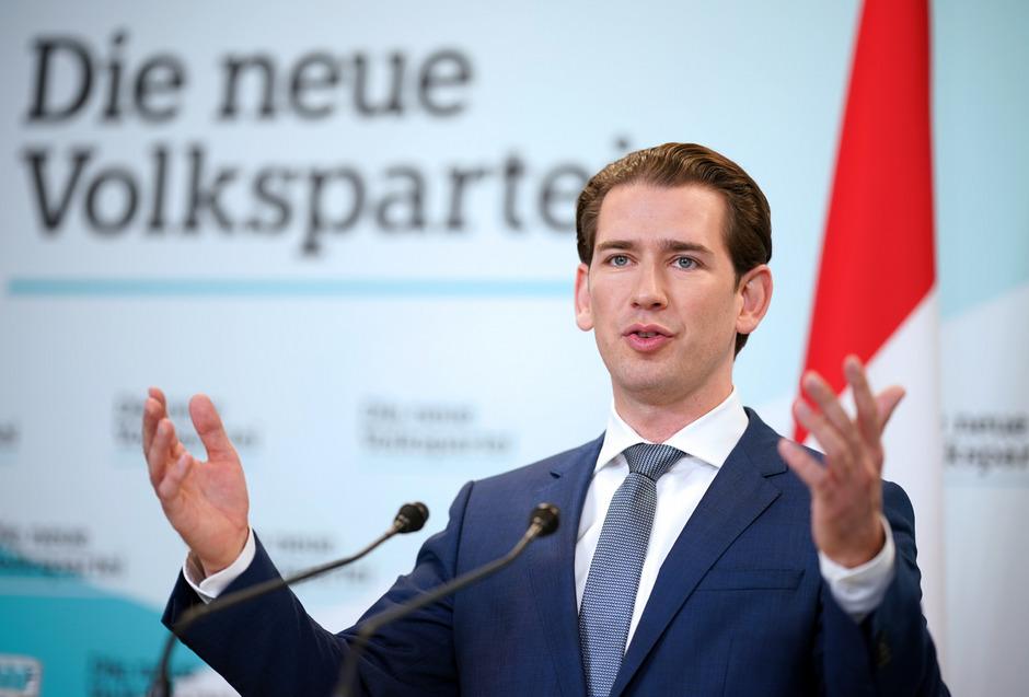 """Einstimmig. Nach den Grünen legte sich auch die ÖVP auf Koalitionsverhandlungen fest. Parteichef Kurz betont aber, dass die Gespräche """"ergebnisoffen° seien."""