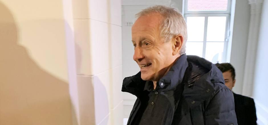 Peter Pilz vor dem Prozess in St. Pölten.