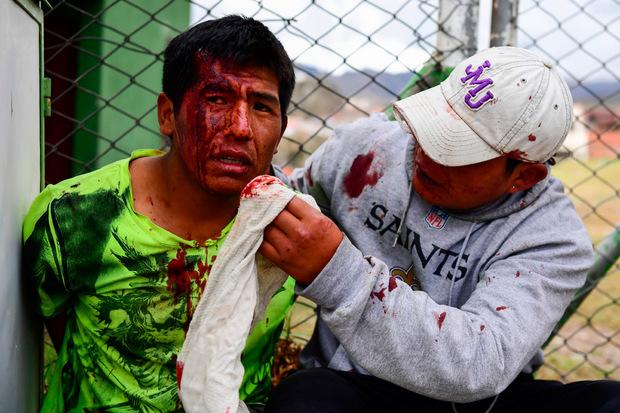 Die Demonstrationen sind in Gewalt umgeschlagen.