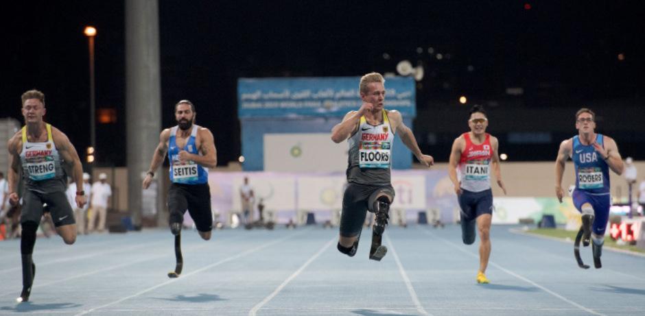 Der Deutsche ?Blade Runner? Johannes Floors (Mitte), frischgebackener Weltrekordler über 100 Meter (10,59 Sek.).