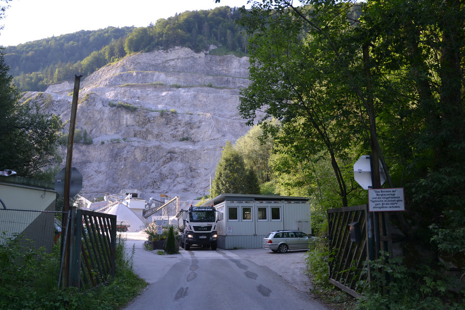 Der Steinbruch im Lahntal soll die nächsten Jahrzehnte weiter in Richtung Süden wachsen.