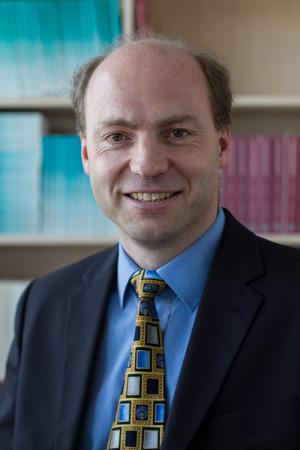 """Matthias Sutter (Verhaltensökonom): """"Die Kooperation von Kindern steigt massiv, wenn ihnen Sanktionen auch nur angedroht werden."""""""