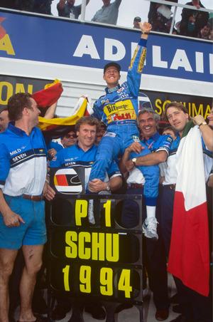 Gefeierter Weltmeister: Michael Schumacher.