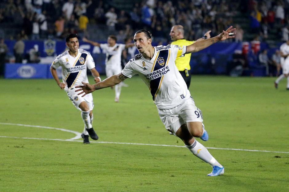 Zlatan Ibrahimovic macht den Abflug aus Los Angeles.
