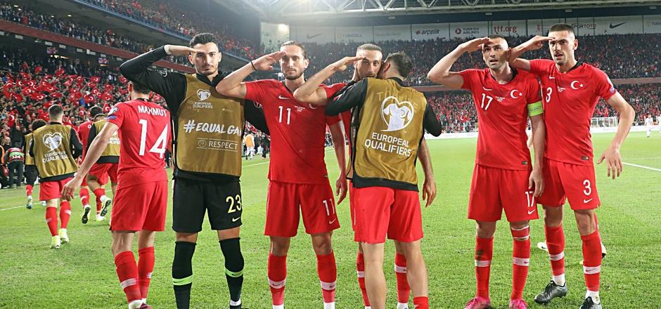 Der Salut-Jubel der türkischen Teamkicker sorgte im Oktober für Empörung. Die Meinungen gehen nach wie vor weit auseinander.