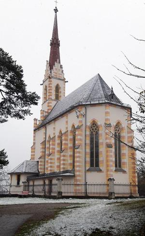 ... geht es zur Wallfahrtskirche in Mötz.