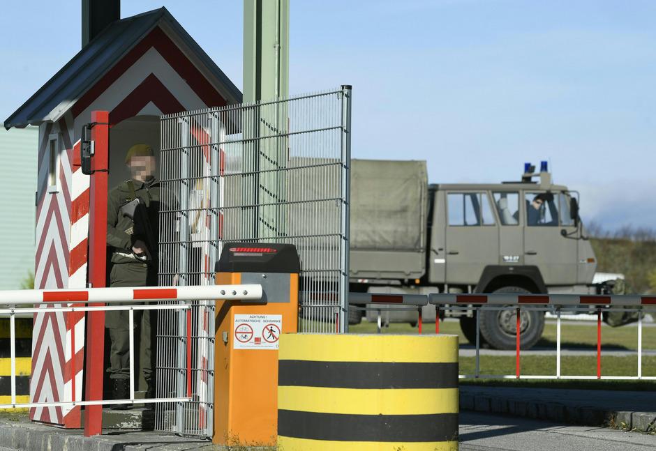 Der tödliche Hundeangriff ereignete sich in der Flugfeld-Kaserne nördlich von Wiener Neustadt.