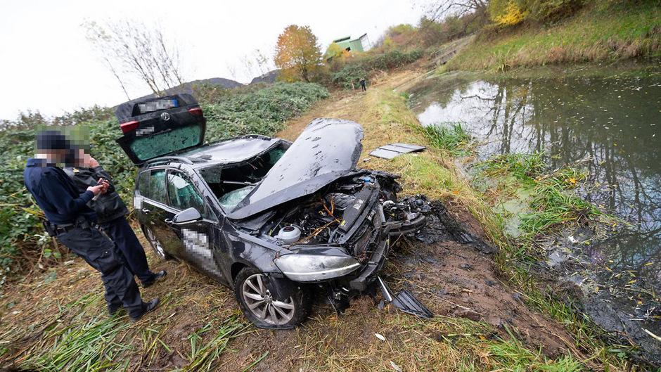 Laut Polizei stammt der Unglückswagen von einem Verleiher aus Berlin.