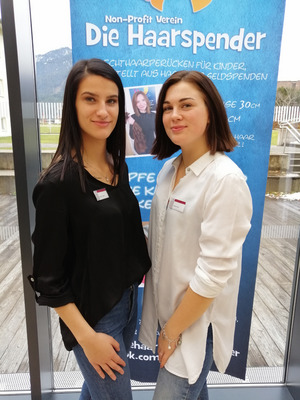 Der Andrang auf die Charityaktion von Tamara Krstic und Rosa Lämmle ( v.l.) war enorm.