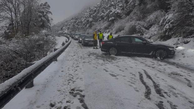 Auch am Zirlerberg kam es am Nachmittag infolge eines Unfalls zu einer kurzzeitigen Totalsperre.