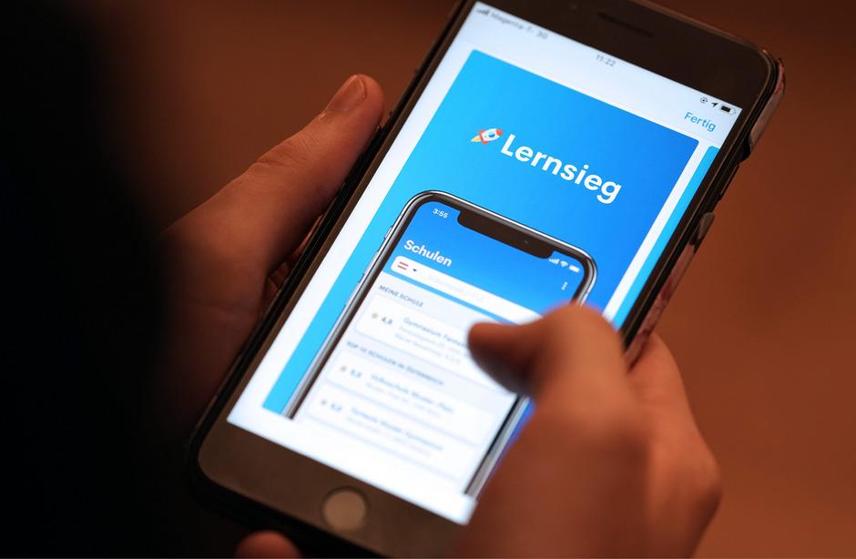 """Für die kostenlose App """"Lernsieg"""" wurde eine Datenbank mit rund 90.000 Lehrern und den entsprechenden Schulen angelegt."""
