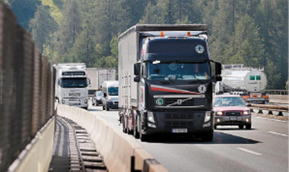 941.000 Transit-Lkw fuhren im Vorjahr durch die Schweiz.