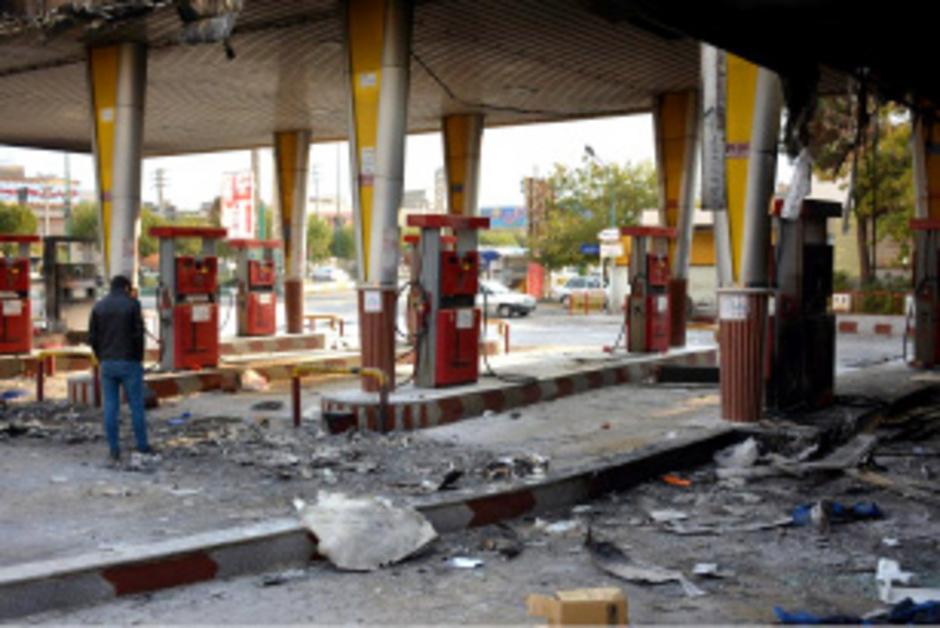 Die Proteste richten sich gegen höhere Benzinpreise.