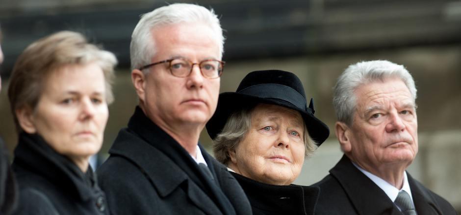 Fritz von Weizsäcker (2.v.l.) beim Staatsakt für seinen gestorbenen Vater, den früheren Bundespräsidenten Richard von Weizsäcker.