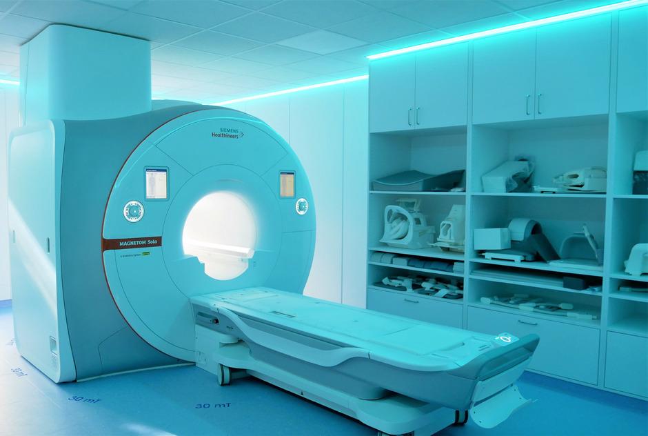 Das Krankenhaus Zams hat ein neues MRT-Gerät in Betrieb genommen. Das alte war 13 Jahre im Einsatz.