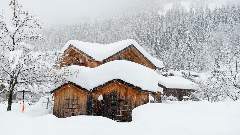Viele Orte in Osttirol, wie hier Kals am Großglockner, hatten in den vergangenen Tagen mit den Unmengen an Niederschlag zu kämpfen.